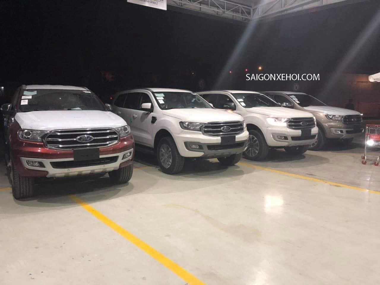 Ford Everest 2020 giá lăn bánh