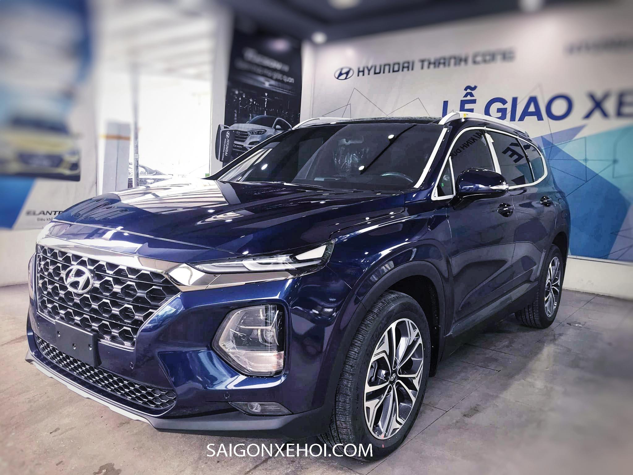 Hyundai Santafe 2020 lăn bánh