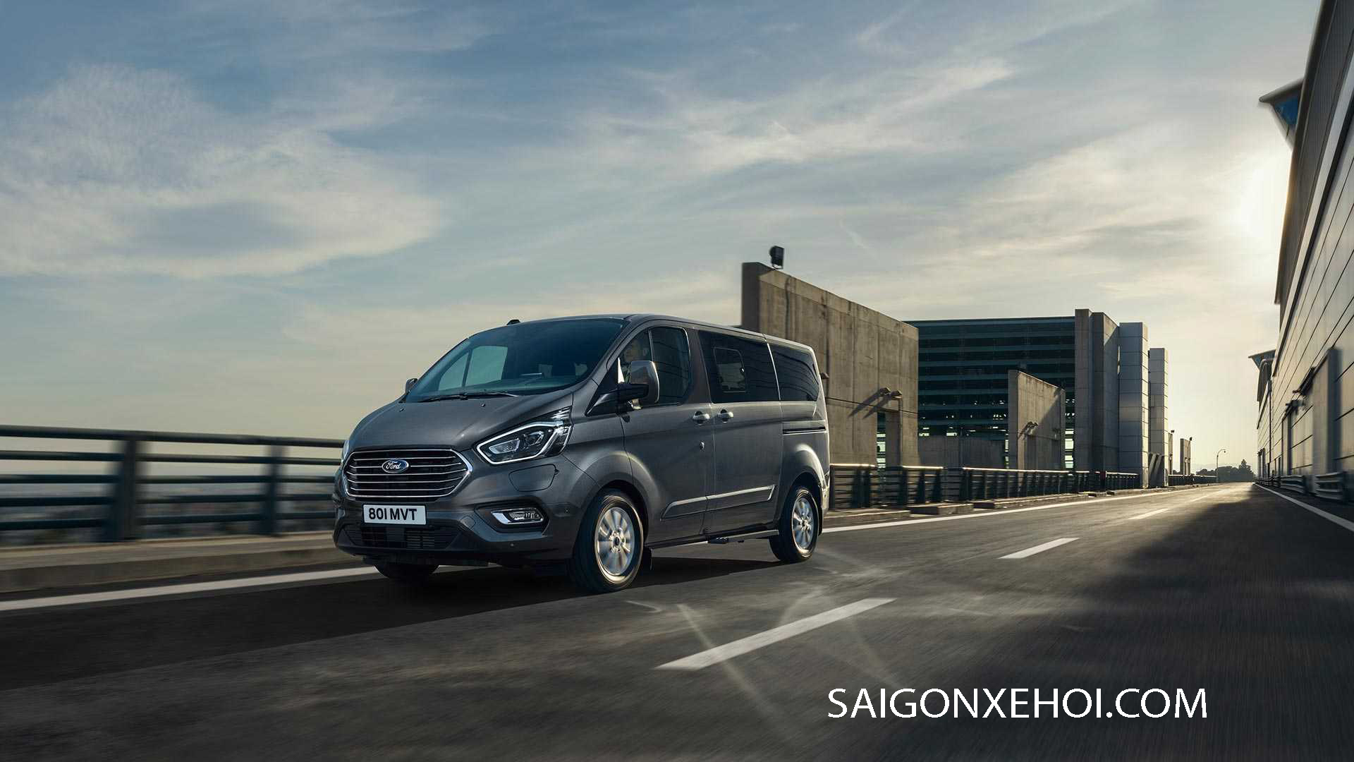 Giá xe ford tourneo 2020