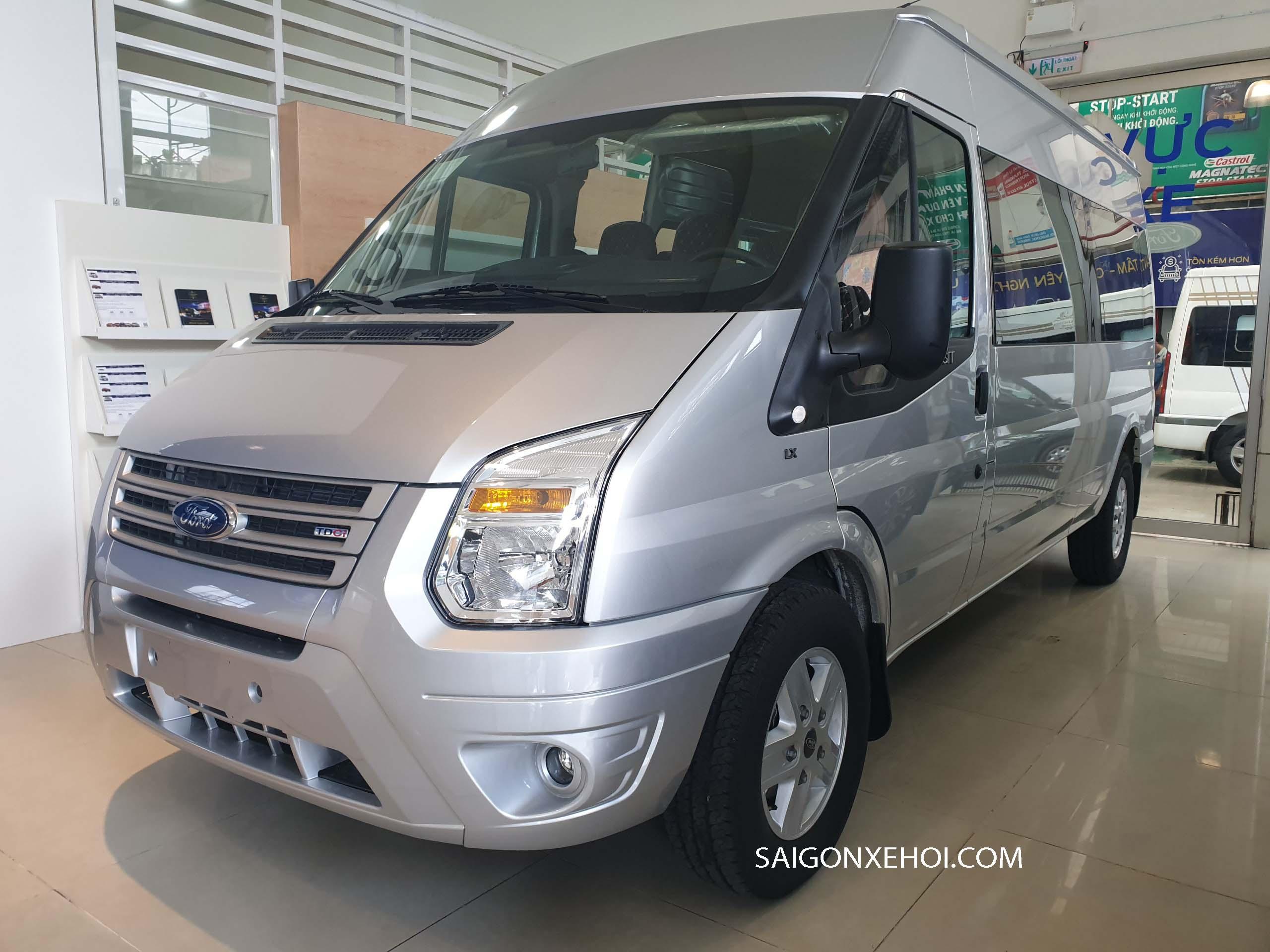 Thân xe Ford Transit 2020