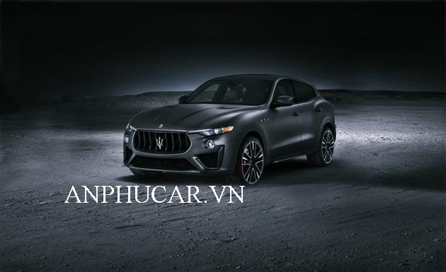 Giá xe Maserati Levante S 2020