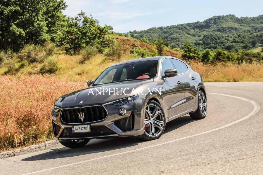 Khuyến mãi mua xe Maserati Levante S 2020