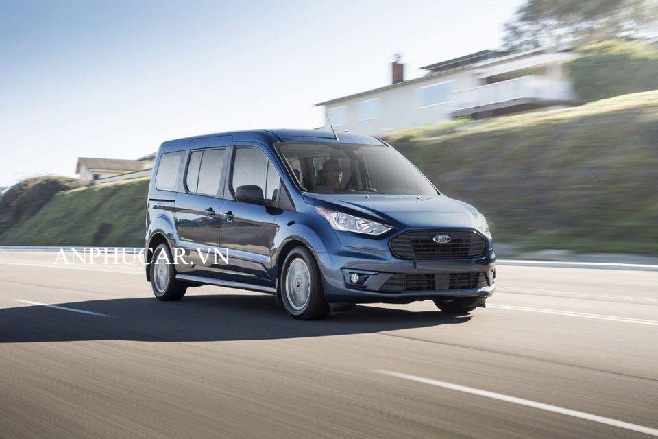 Giá xe Ford Tourneo Titanium 2020