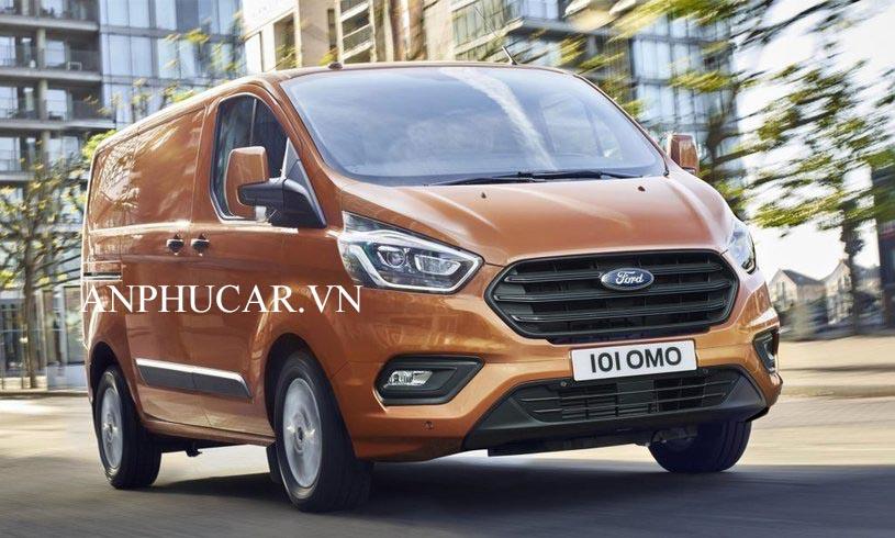 Ngoại thất ấn tượng Ford Tourneo Titanium 2020