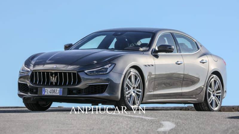 Giá xe Maserati Ghibli 2020