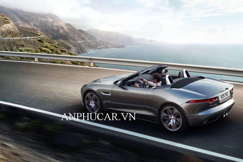 Giá xe Jaguar F-Type 2020