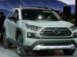 Toyota RAV4 2020 dau xe