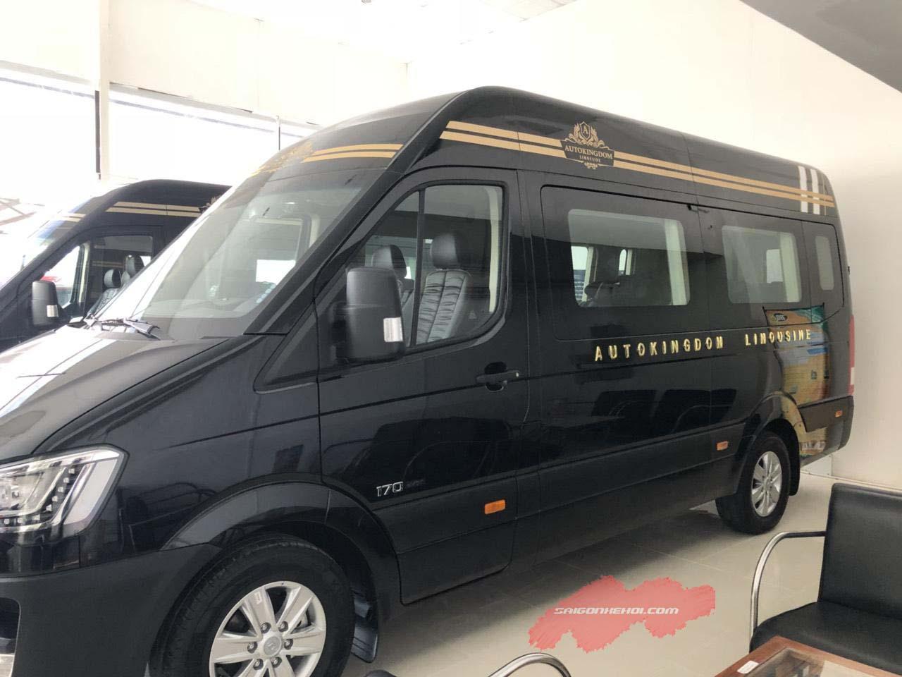 Giá xe Hyundai Solati Limousine 2020