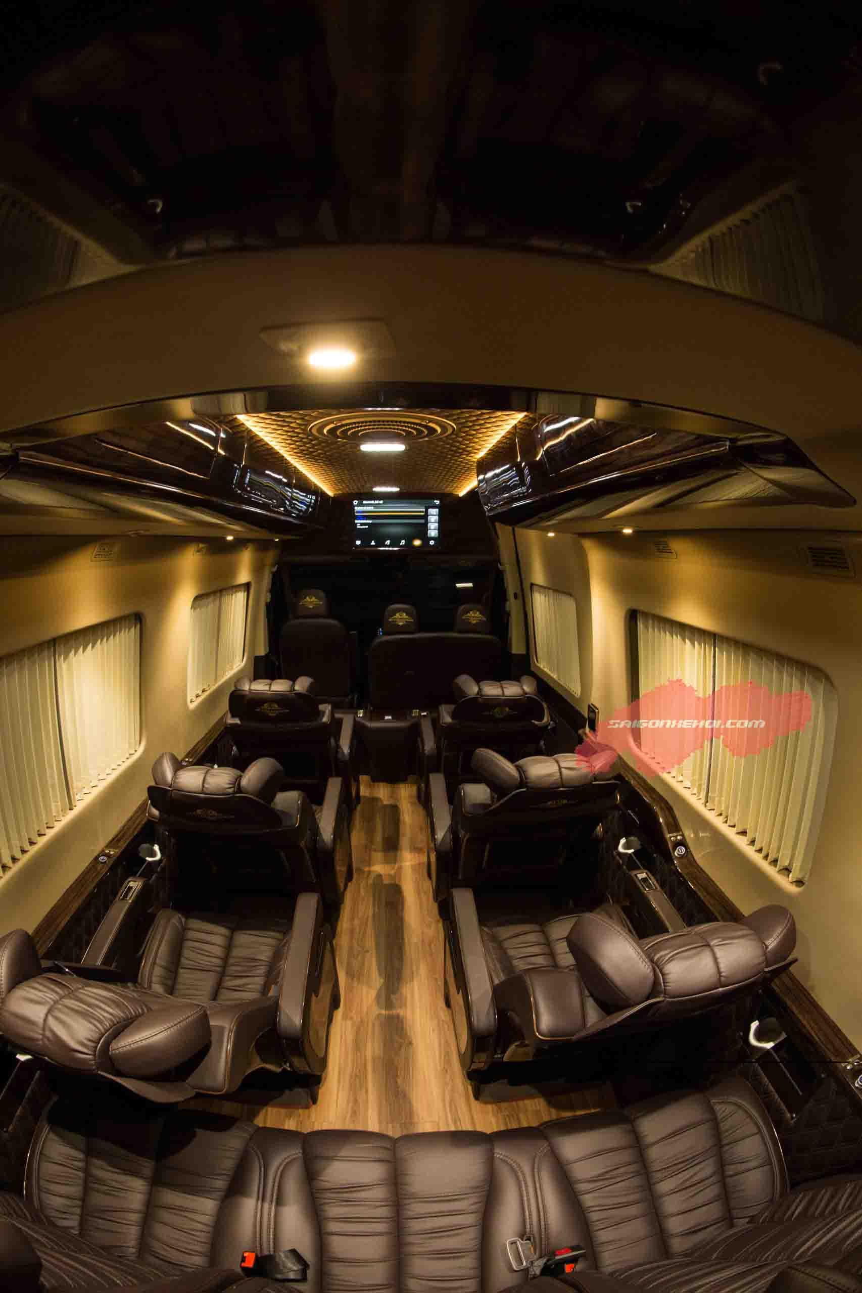 Không gián Hyundai Solati Limousine 2020 thoải mái