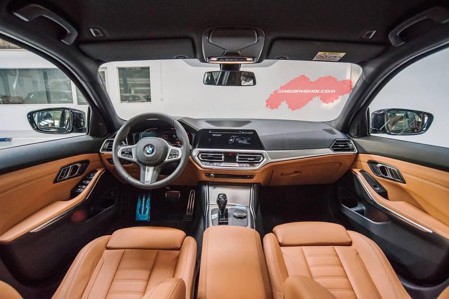 Nội thất xe BMW 330i 2020