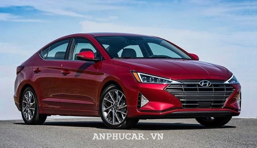 Giá xe Hyundai Elantra 2.0AT 2020