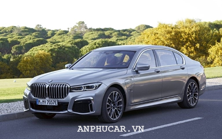 Mua xe BMW M760Li 2020