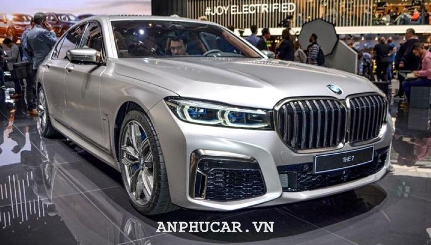 Danh gia BMW M760Li 2020