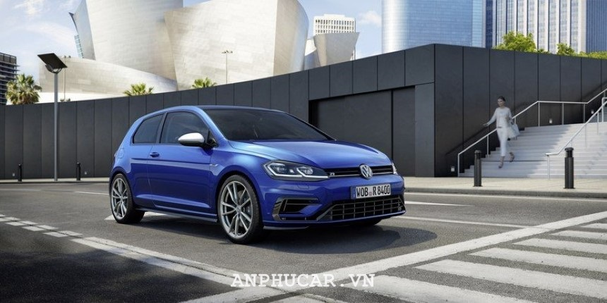 Gia lan banh Volkswagen Scirocco R 2020