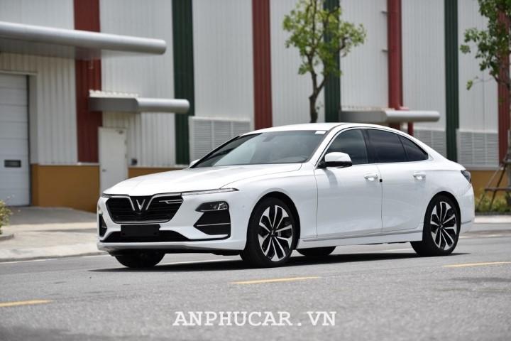 Danh gia VinFast Lux A2.0 2020 Sedan