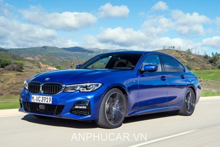 BMW 330i Sport Line 2020 mau xanh