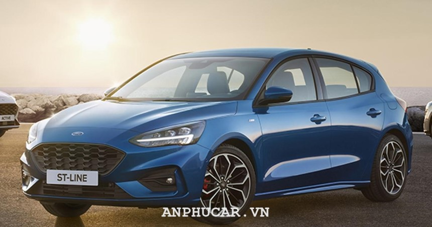 Ford Focus 1.5L EcoBoost Titanium 2020 gia lan banh