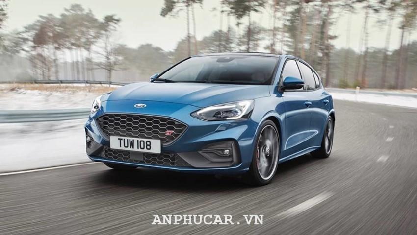 Ford Focus 1.5L EcoBoost Titanium 2020 khuyen mai
