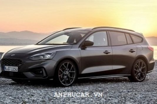 Ford Focus 1.5L EcoBoost Trend 2020 khuyen mai
