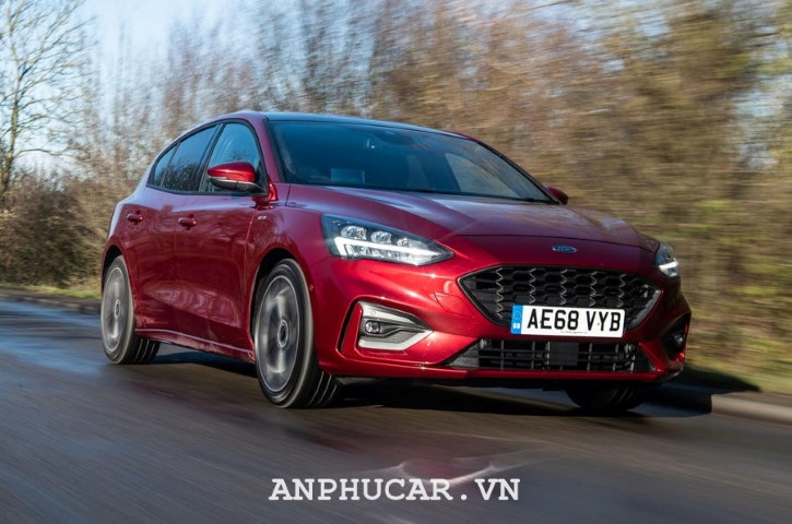Ford Focus 1.5L EcoBoost Trend 2020 mua xe