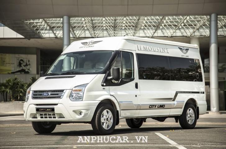 Ford Transit Limousine 2020 khuyen mai hap dan