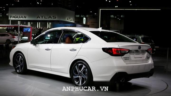 Subaru Legacy 2020 gia xe