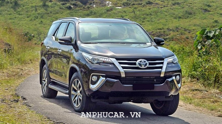 Toyota Fortuner 2.7AT 4x4 2020 khuyen mai