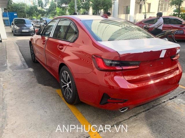 duoi xe BMW 330i Sport Line 2020