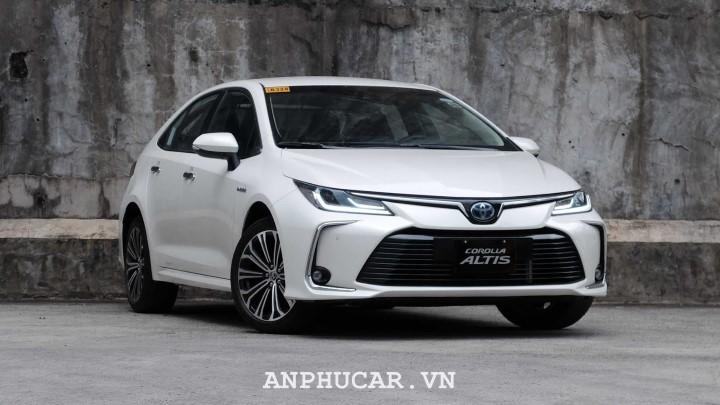 Toyota Corolla Altis 1.8E CVT 2020 thiet ke hap dan