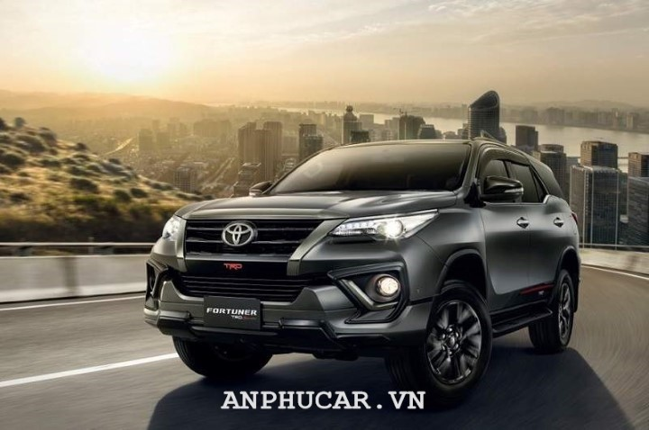 Toyota Fortuner TRD 2020 gia xe