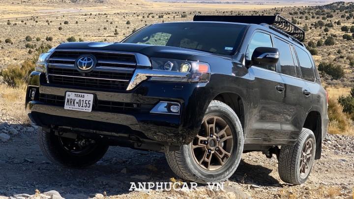Toyota Land Cruiser 2020 gia lan banh bao nhieu