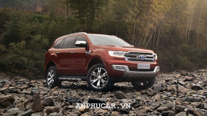 Ford Everest Ambiente 2.0L AT 2020 gia lan banh