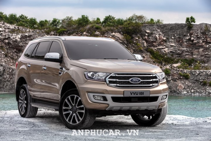 Ford Everest Ambiente 2.0L MT 2020 gia xe bao nhieu