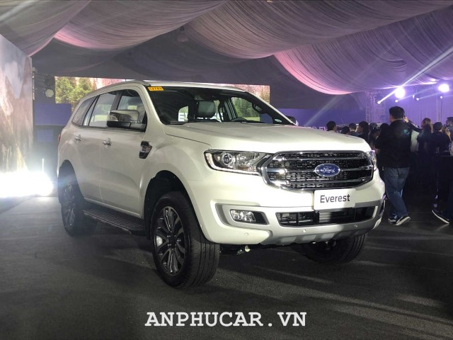 Ford Everest Titanium 2.0L AT 2020 gia ban