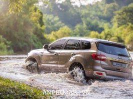 Ford Everest Titanium 2.0L AT 4WD 2020 gia lan banh