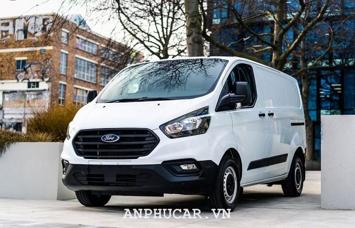 Ford Tourneo 2.0L Titanium 2020 thong so