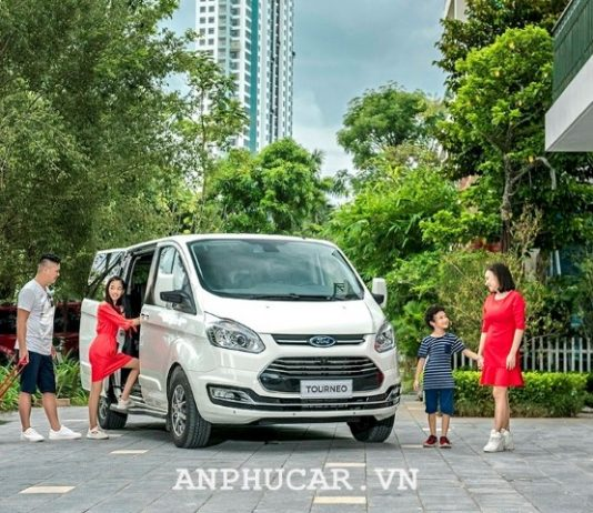 Ford Tourneo 2.0L Trend AT 2020 mua xe