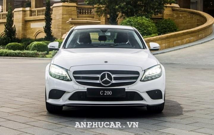 Mercedes-Benz C200 2020 gia bao nhieu