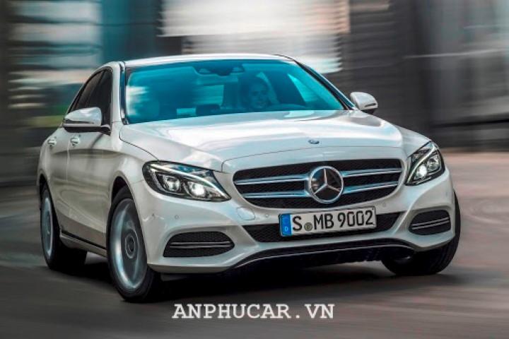 Gia xe Mercedes-Benz C200 2020
