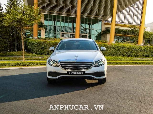 Mercedes-Benz E200 Exclusive 2020 ra mat dep doc dao