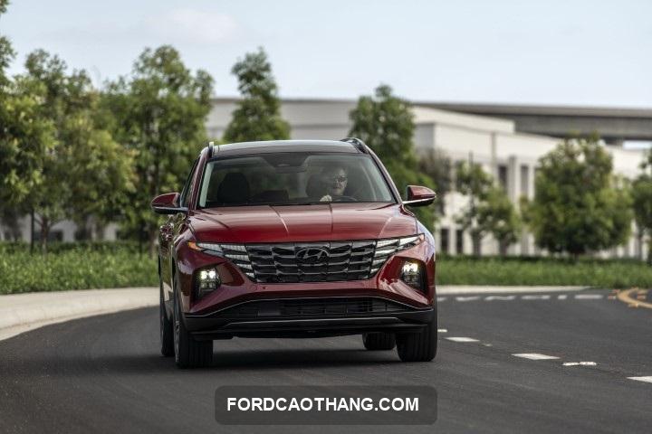 Hyundai Tucson 2022 gia lan banh