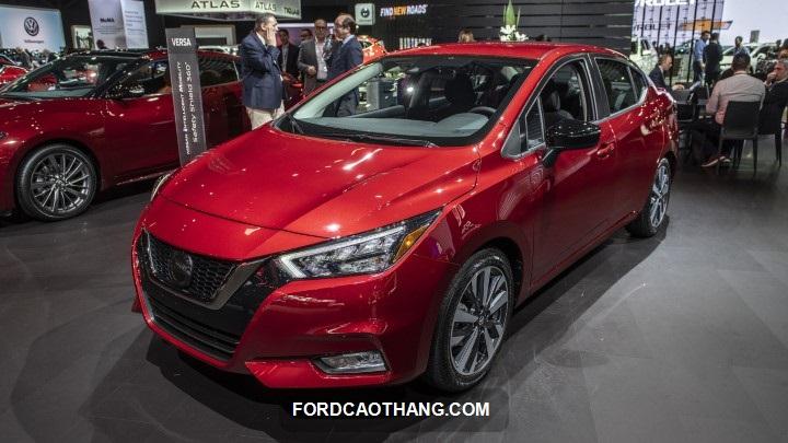 gia xe Nissan Sunny 2022